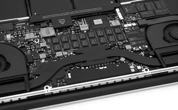 Apple Macbook Pro 15 Retina 2012 inside