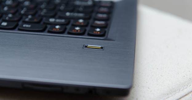 Lenovo V470 fingering close up