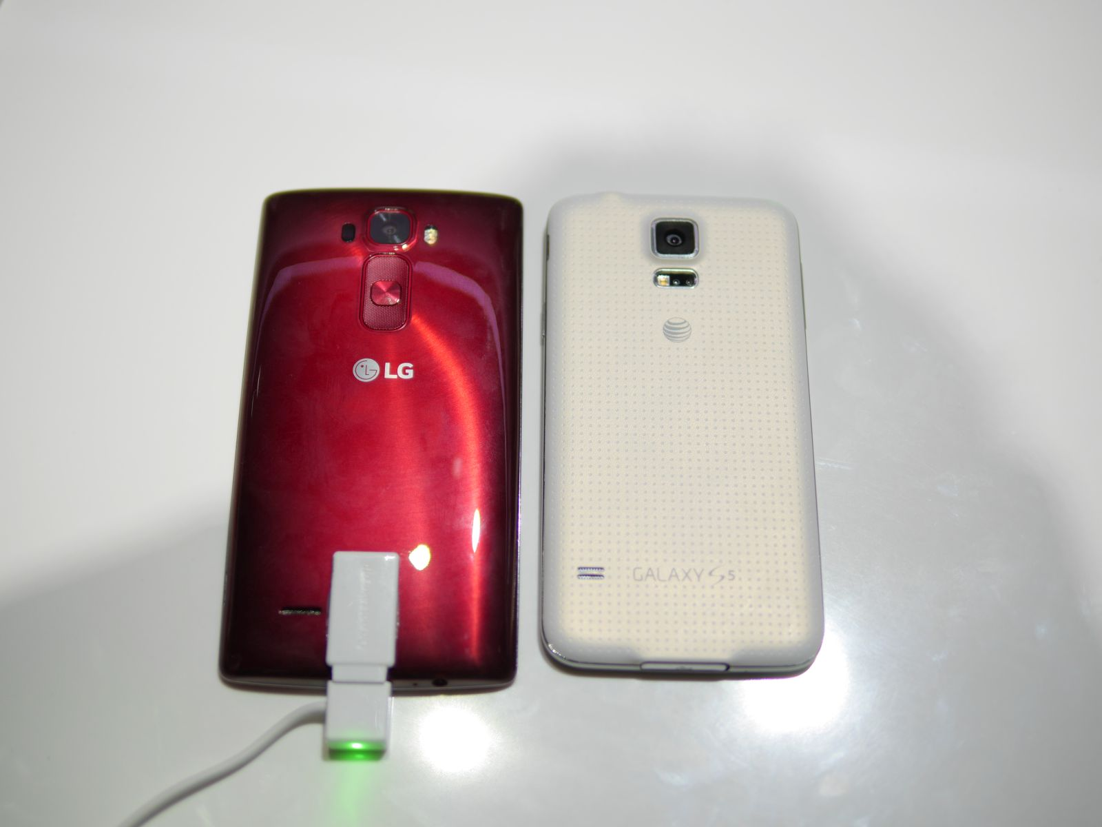 LG-G-Flex-2-vs-Galaxy-S5