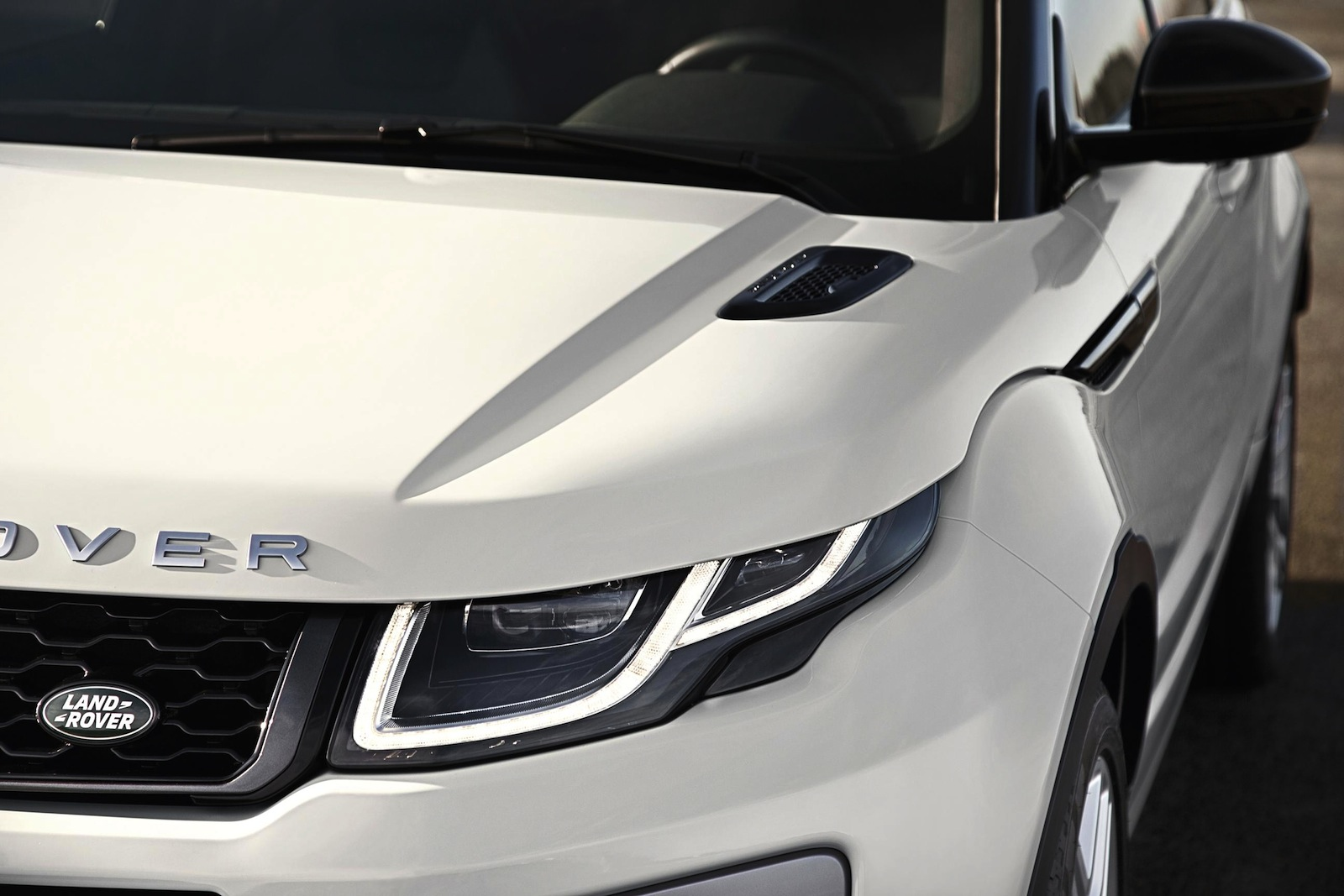 Evoque-Facelift-2016