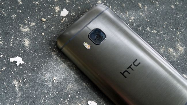 HTC One M9 và iPhone 6
