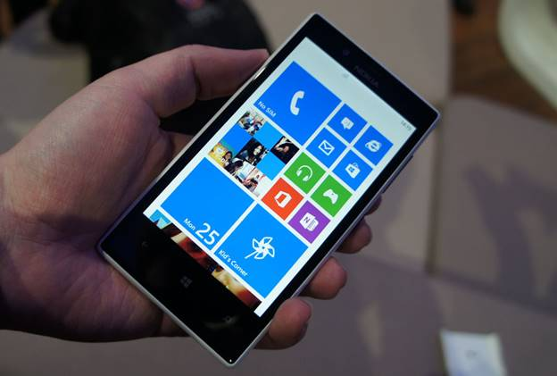 So-sanh-Nokia-Lumia-720-vs-Lenovo-S850