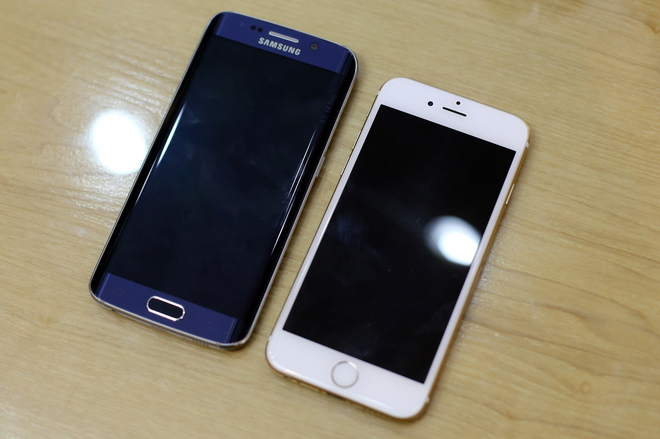 So-sanh-Galaxy-S6-Edge-va-iPhone-6-Plus