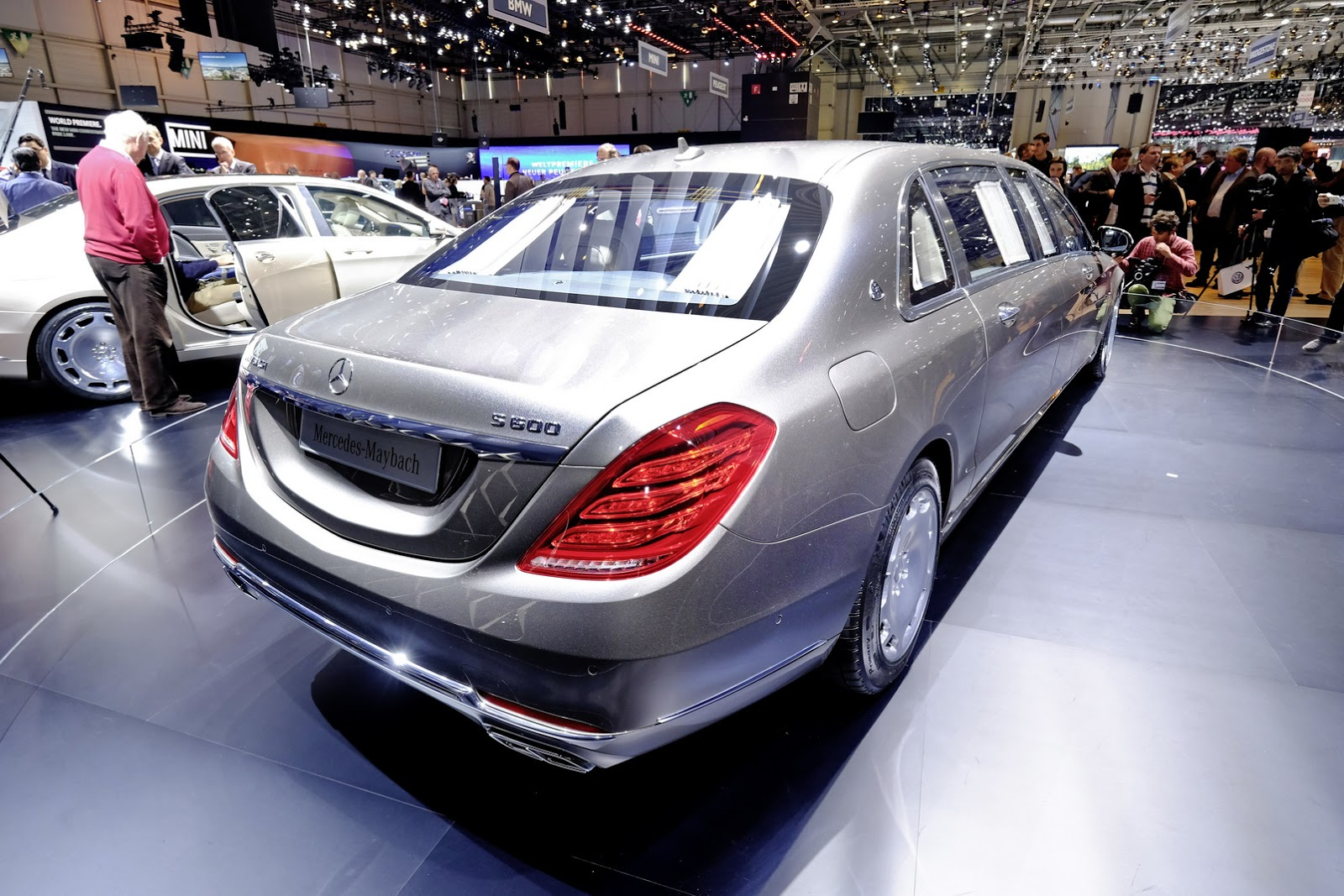 Mercedes_Maybach_S600_Pullman
