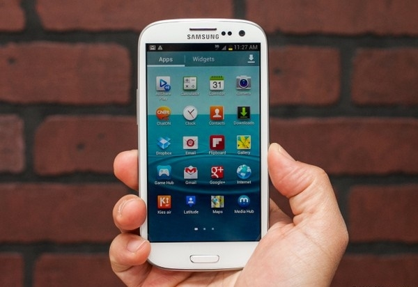 Smartphone-android-co-thiet-ke-tot-nhat-Samsung-Galaxy-S-III