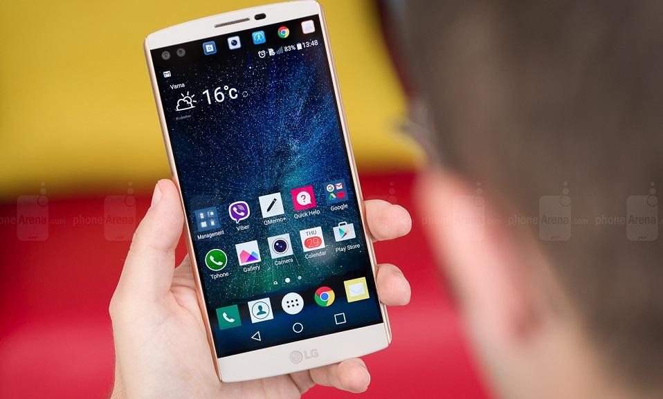 """Điểm danh 6 smartphone """"độc lạ"""" ra mắt trong năm 2015 2"""