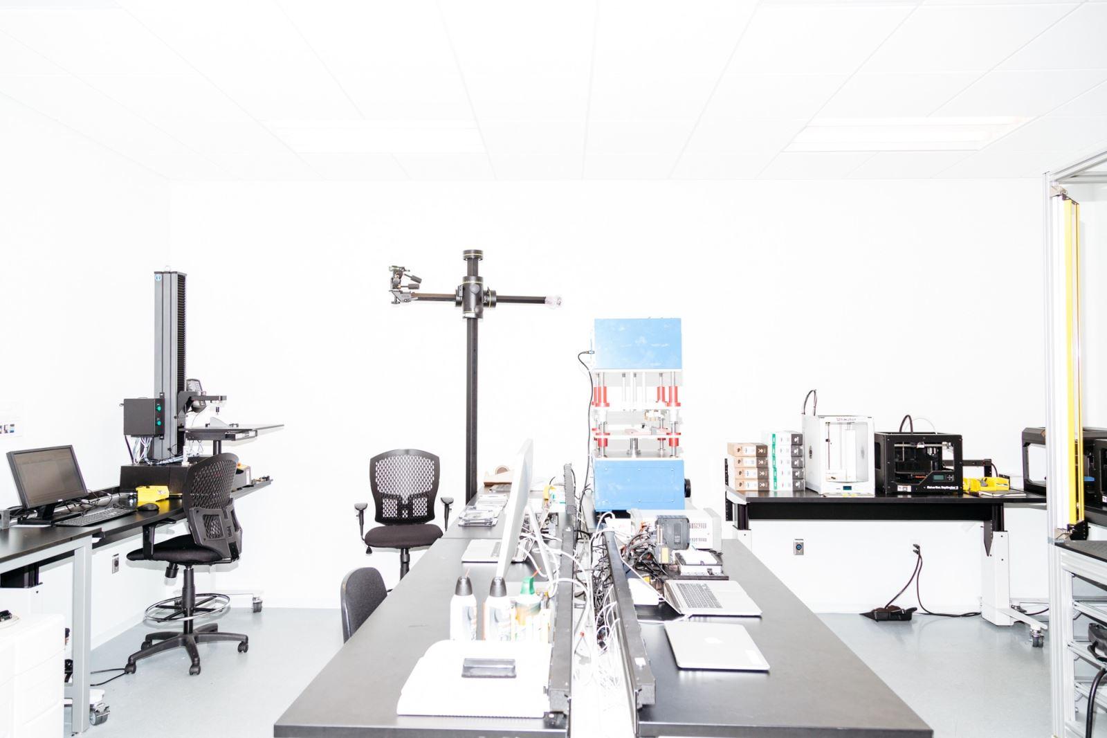Tham quan phòng thí nghiệm tuyệt mật của Apple 9