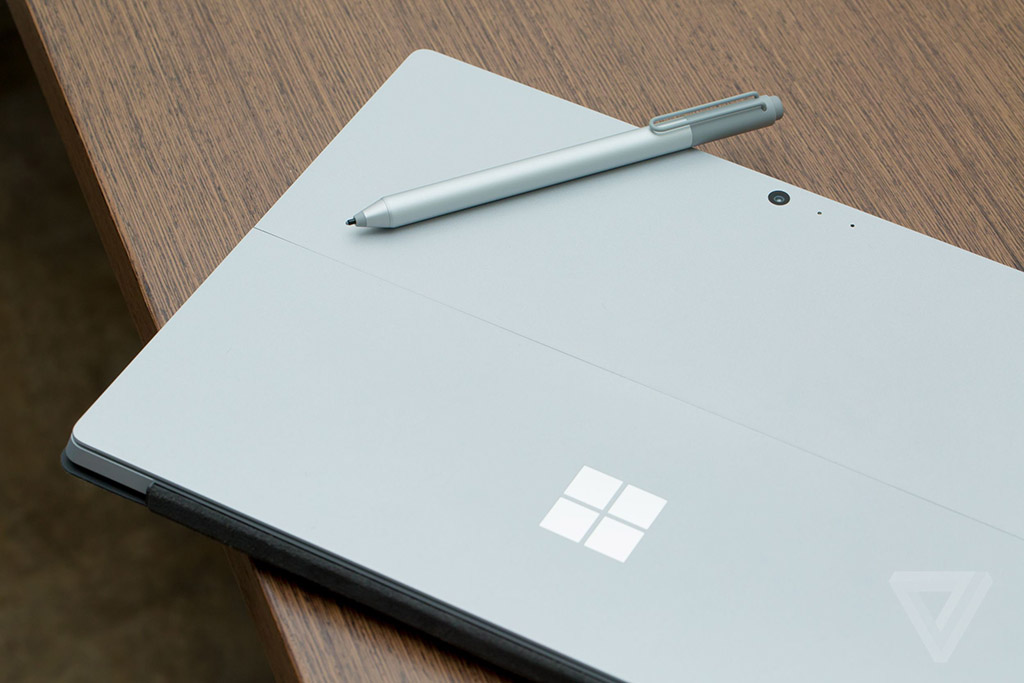 camera microsoft surface book