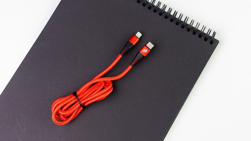 cáp USB-C to Lightning 1m UmeTravel Nylon braded CL1 1