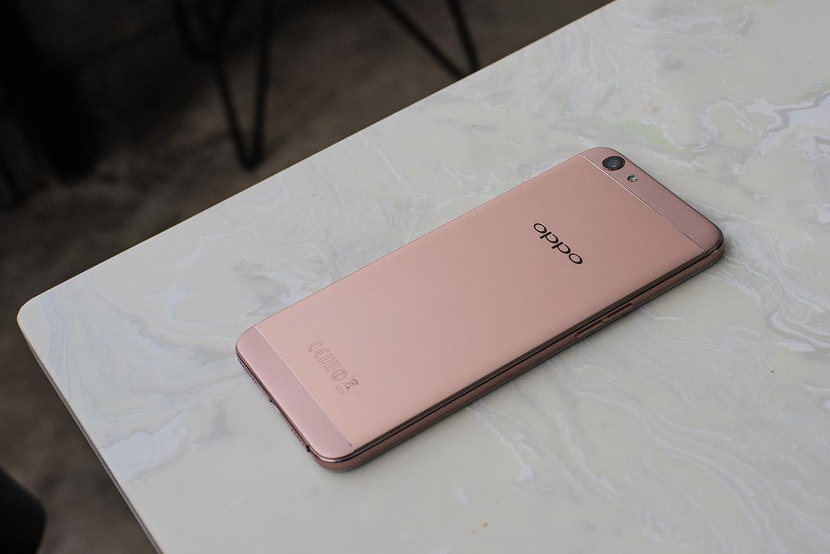 5 smartphone tầm trung chụp ảnh siêu đẹp trên thị trường 2