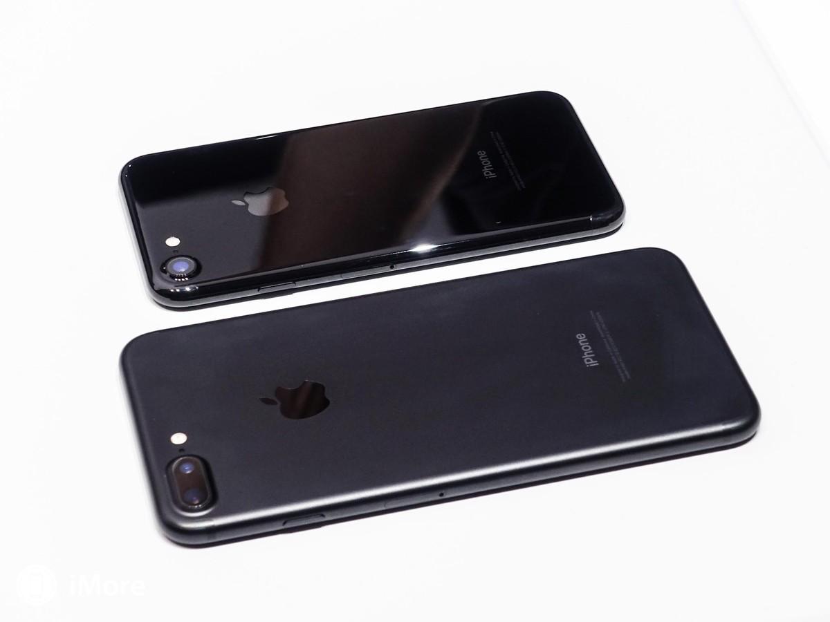 iPhone vẫn là món quà được khao khát nhất dịp lễ Tết 1