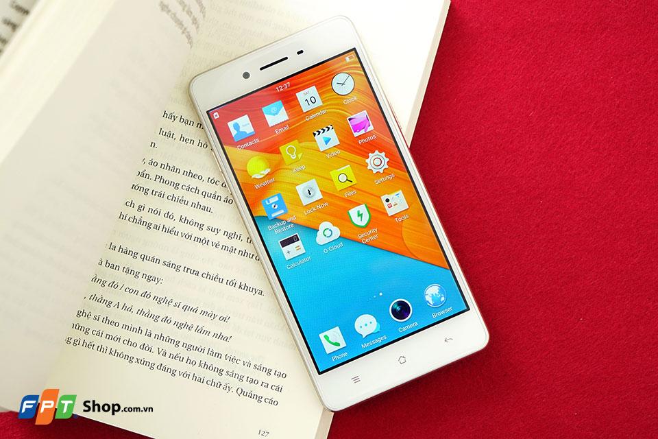 Trên tay Oppo F1 - Smartphone cho người thích sống ảo