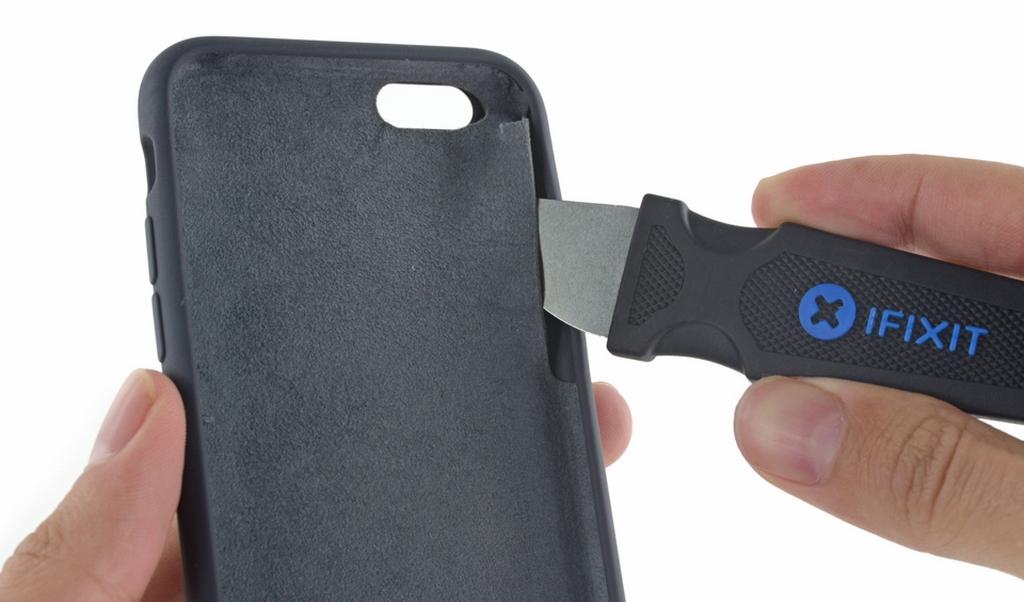 Bên trong vỏ pin mới của iPhone có gì?