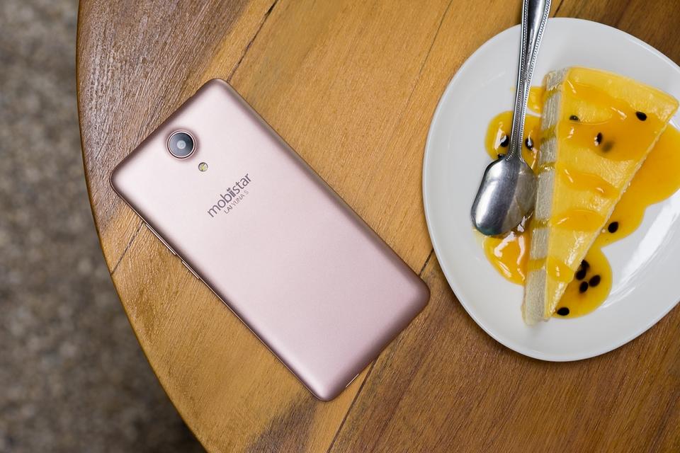 Top 4 smartphone màu Vàng Hồng đẹp nhất hiện nay
