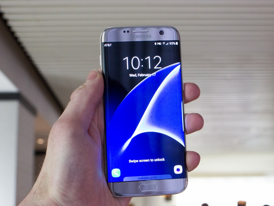 1. Samsung Galaxy S7 Edge