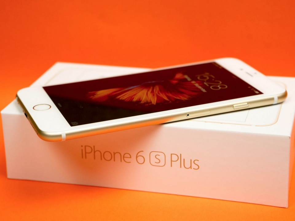 8. iPhone 6s Plus