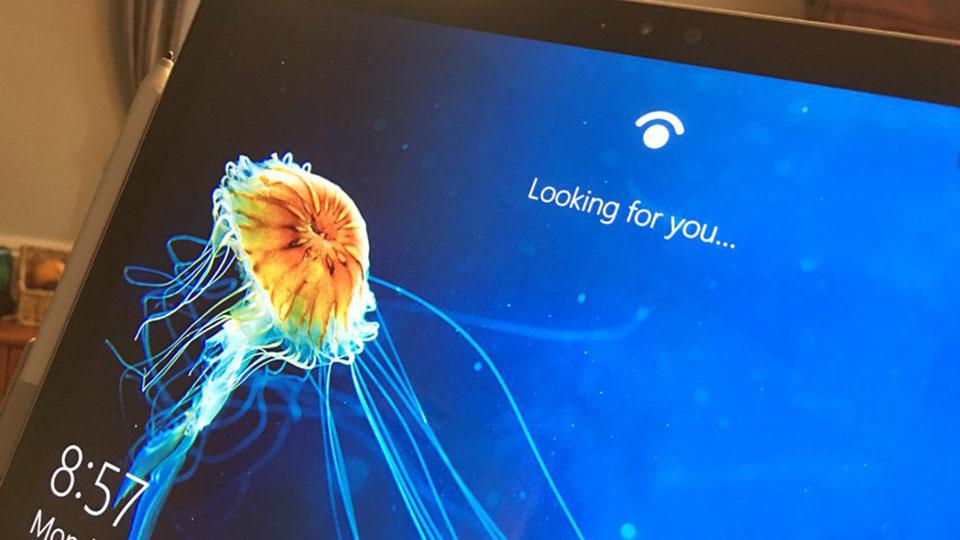 Face ID trên iPhone X: Công nghệ tương lai của Apple