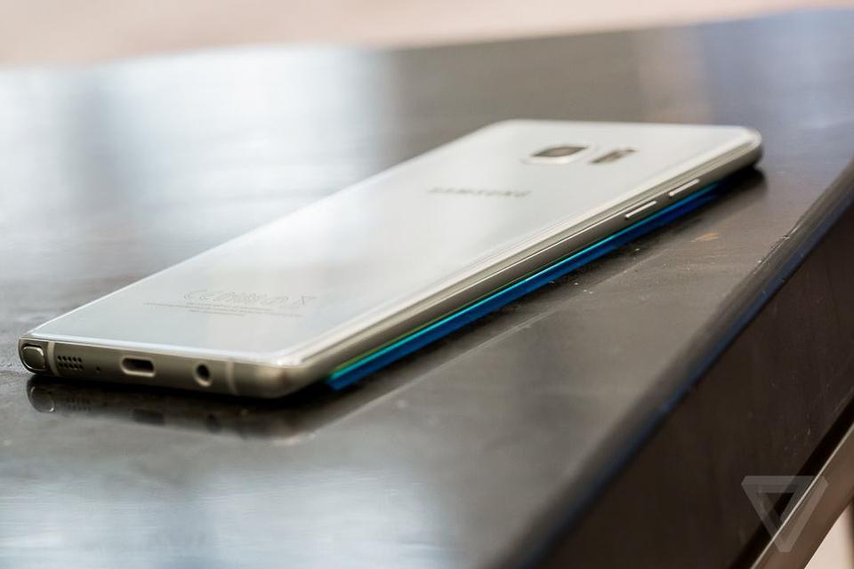 Trên tay Galaxy Note 7 tại FPTShop