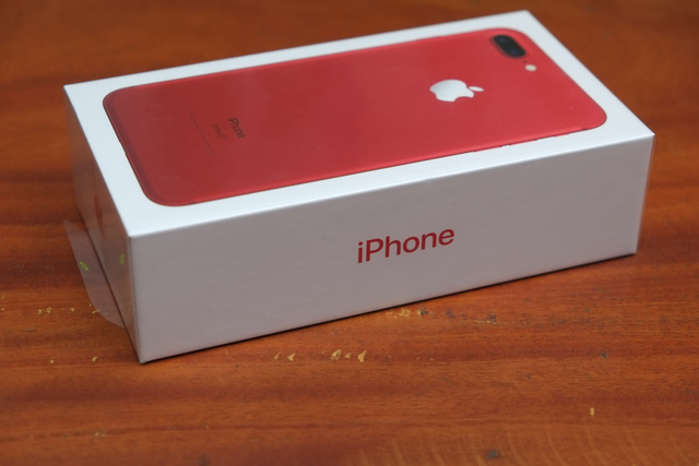 Hộp của iPhone 7 Plus (PRODUCT) RED
