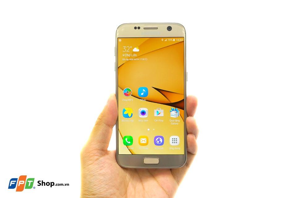 Màn hình Super AMOLED trên Galaxy S7