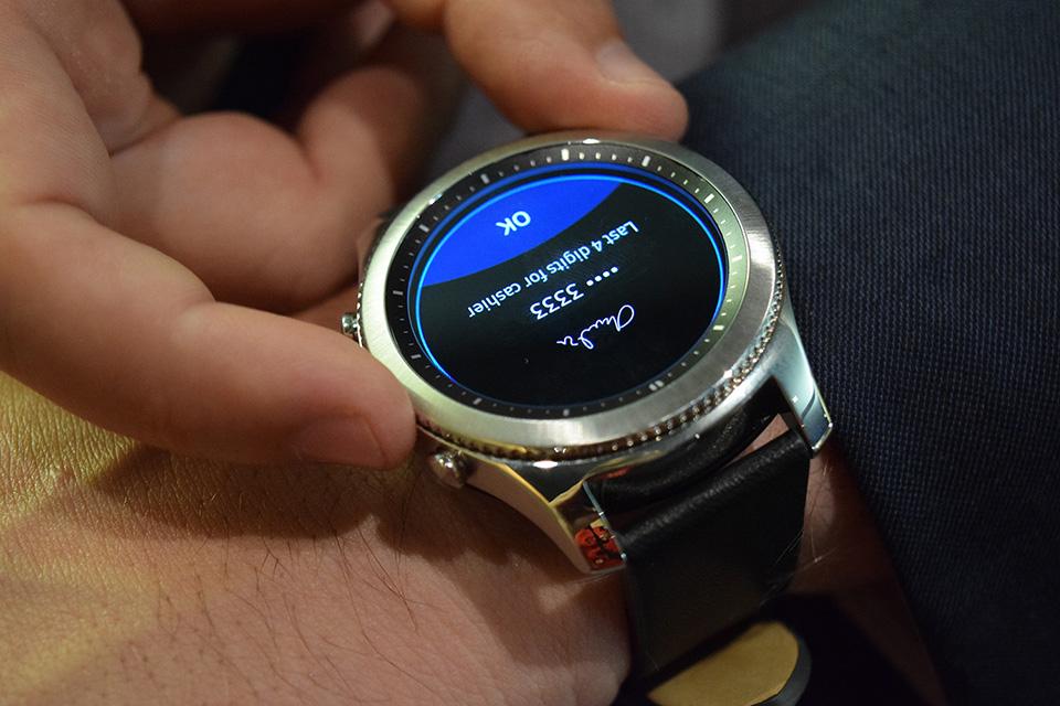 Samsung vẫn tiến hành việc bán Gear S3 đúng lộ trình