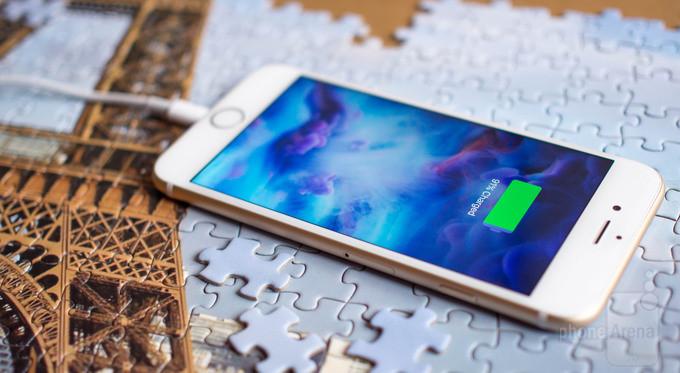iPhone có thể sạc nhanh hơn với bộ sạc mạnh hơn?