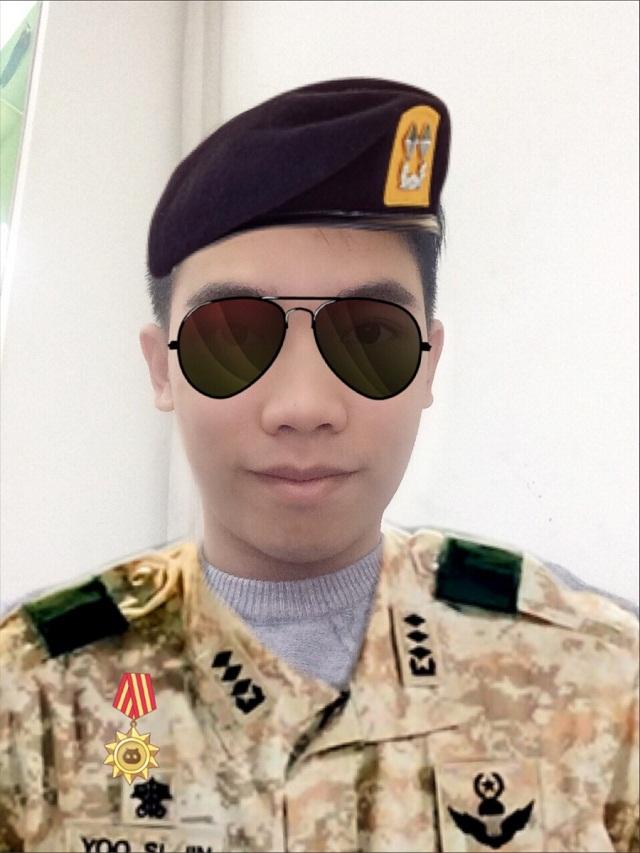 Ứng dụng hot giúp bạn biến hình thành Đại úy Yoo Shi Jin