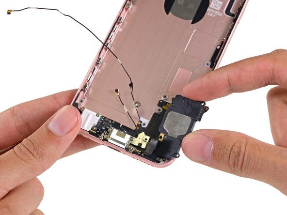 Video bẻ cong iPhone 6s Plus và hình ảnh mổ xẻ iPhone 6s Rose Gold 16