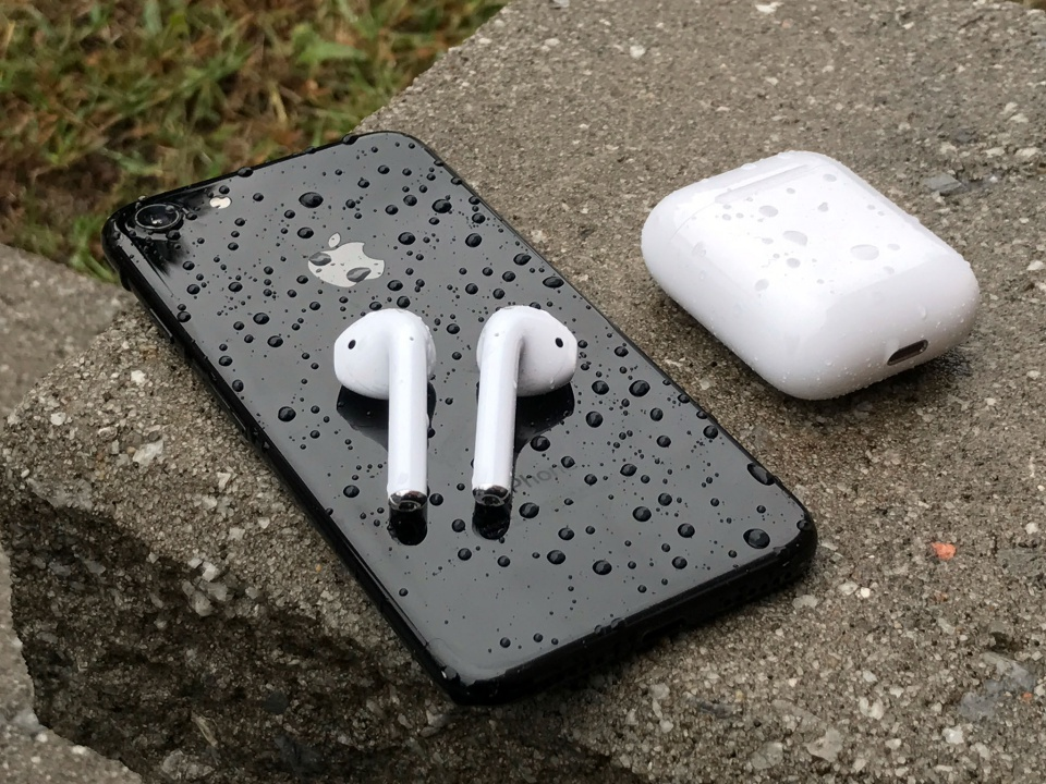 Tai nghe wireless AirPods của Apple