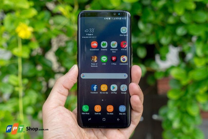 Nên mua điện thoại OPPO hay Samsung?