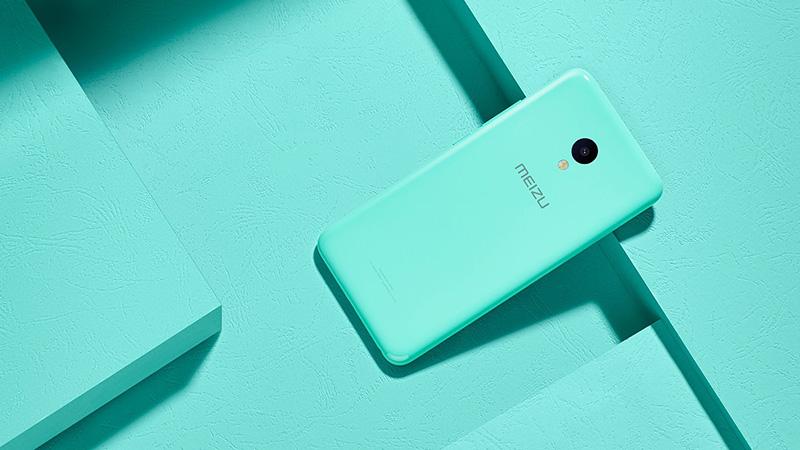 """""""iPhone 5c đến từ Meizu"""" nhận hơn 4 triệu đơn đăng ký mua hàng trong 24 giờ"""