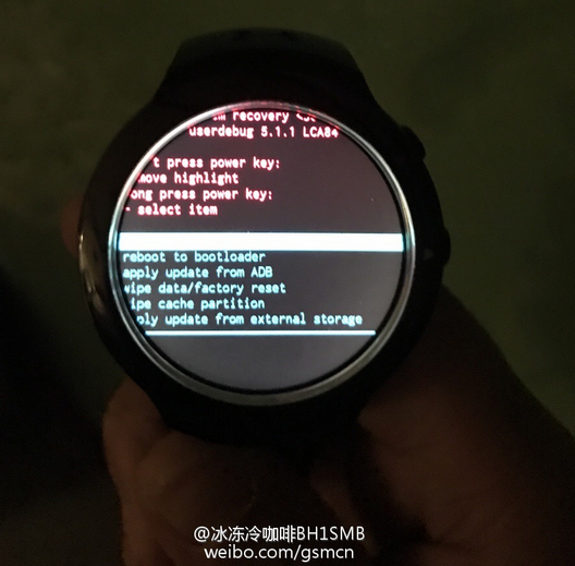 Smartwatch HTC chạy Android Wear xuất hiện
