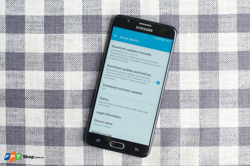Samsung Galaxy J7 Prime chạy Android Mashmallow 6.0.1