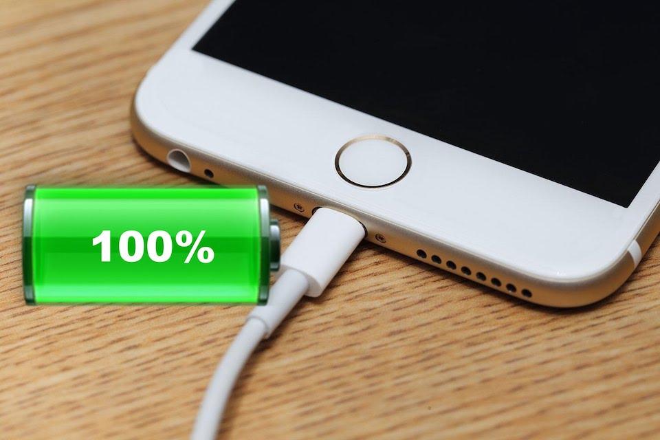 Không nên sạc pin iPhone đến 100%