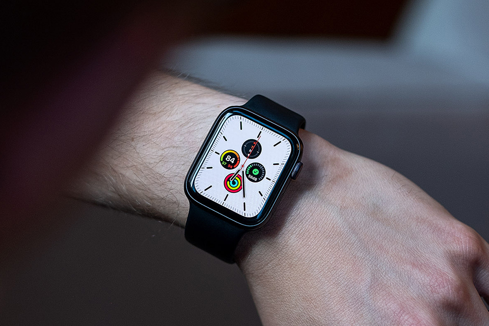 Thao tác trên Apple Watch SE