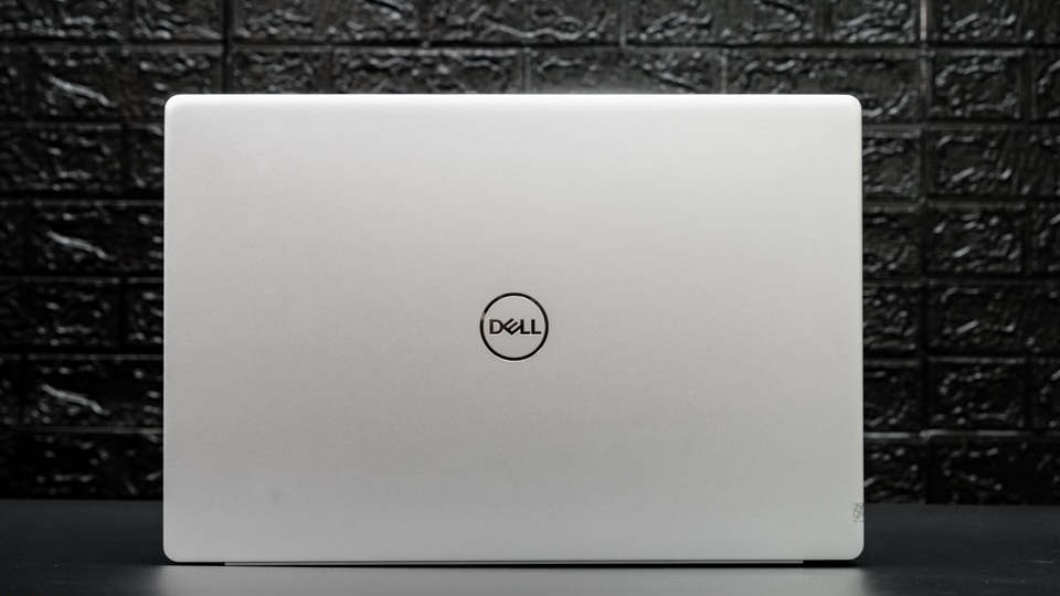 Dell Inspiron N7591