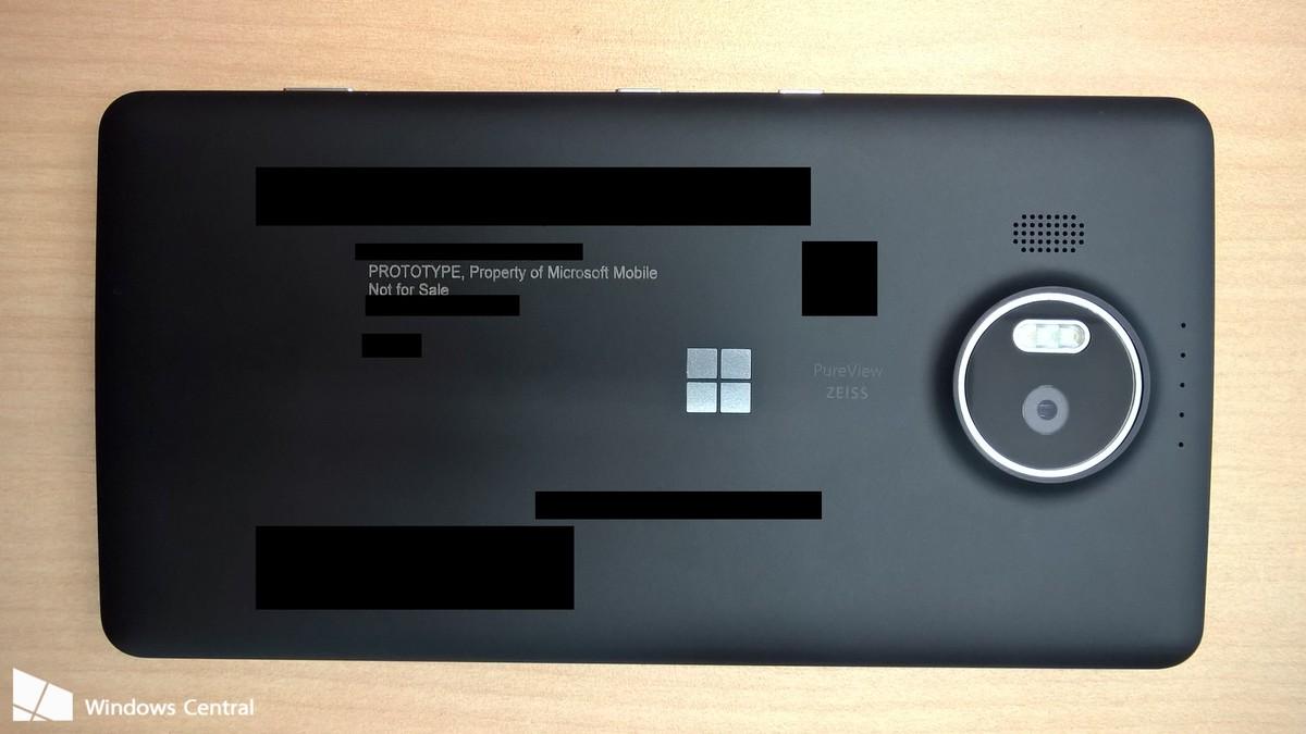 Mặt sau Lumia 950 XL