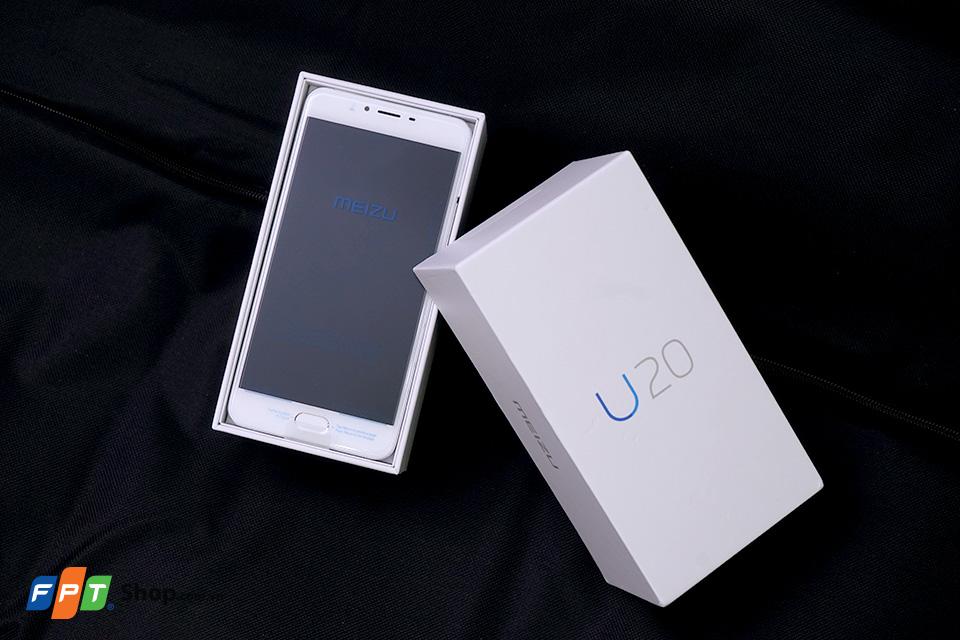 Chiếc hộp của Meizu U20 được thiết kế đơn giản với màu trắng chủ đạo có in tên sản phẩm nổi bật