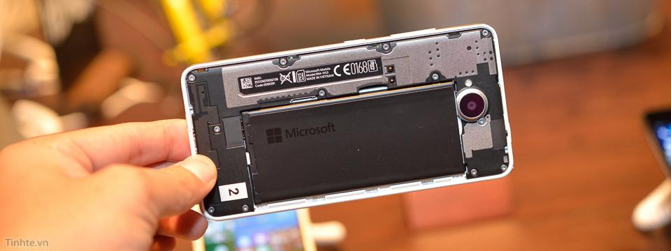 trên tay Microsoft Lumia 650 thiết kế đẹp hơn Lumia 950