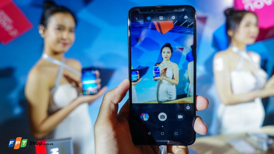 FPT Shop tặng loa hàng hiệu Harman Kardon khi mua Huawei Nova 2i
