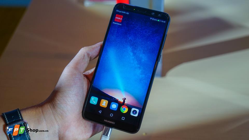 Chào 2018, FPT Shop tặng 100 tivi LG cho khách mua smartphone Huawei