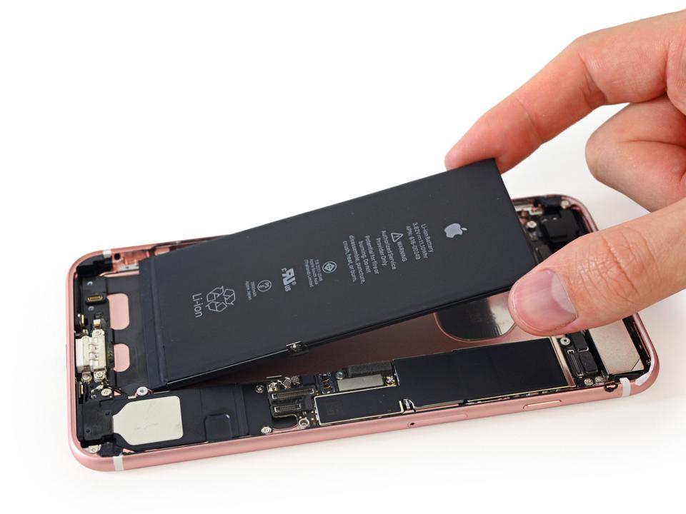 iFixit xác nhận iPhone 7 Plus có RAM 3GB, pin 2.900mAh