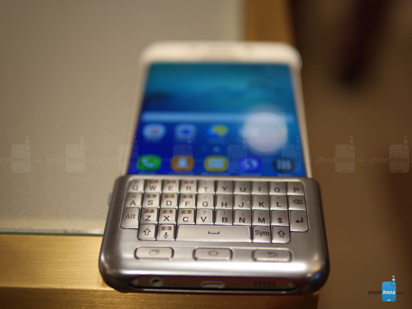 QWERTY Covers trên Galaxy S6 Edge Plus