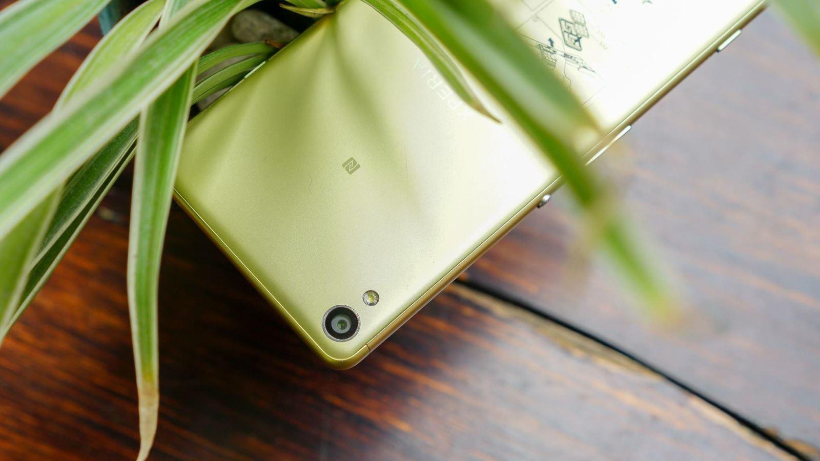 Sony X/XA