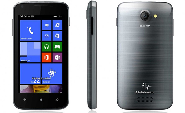 Fly ERA chạy Windows Phone 8.1 giá 110 USD.