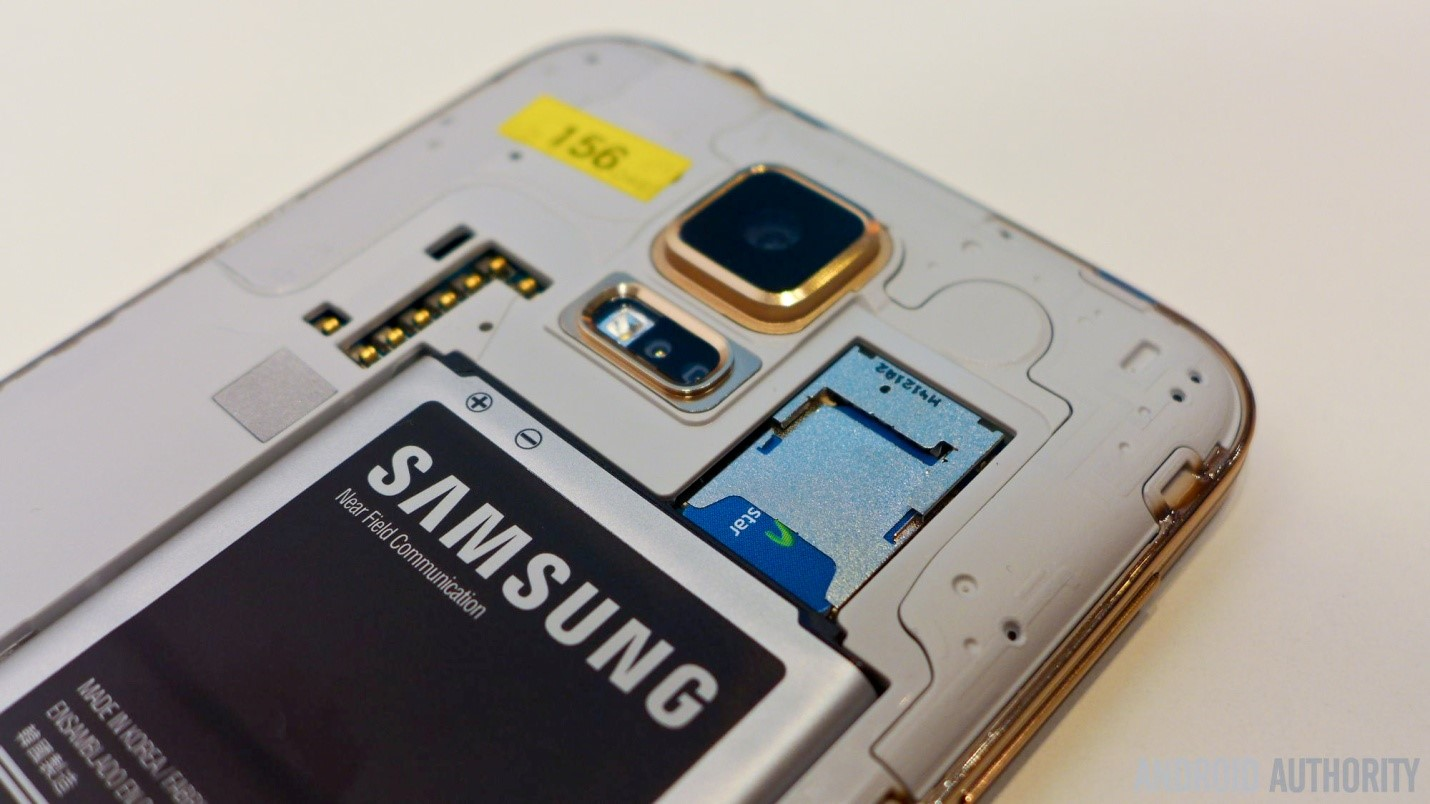 samsung-galaxy-s5-gold-back-cover-battery-2.jpg