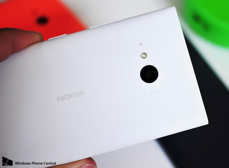 Nokia-Lumia-730-va-HTC-Desire-616