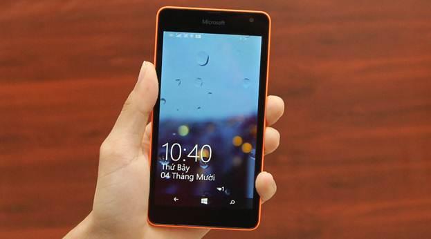 Màn hình lớn trong trẻo là điểm cộng của Lumia 535