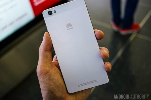 mặt sau Huawei P8 Lite