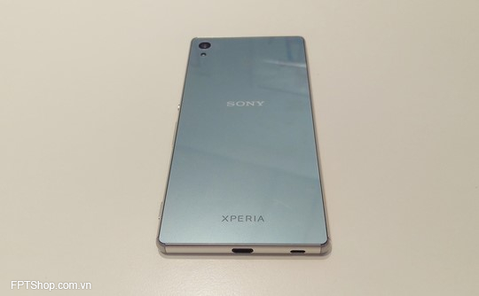 Xperia Z3+ chính là thiết kế mỏng nhẹ